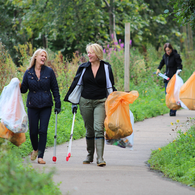 Let's get Scotland's litter in the bag with socially distant litter picks
